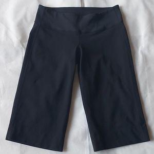 Lululemon black bermuda shorts - size 6